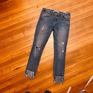 Zara Trafaluc distressed cropped jeans/frayed 6